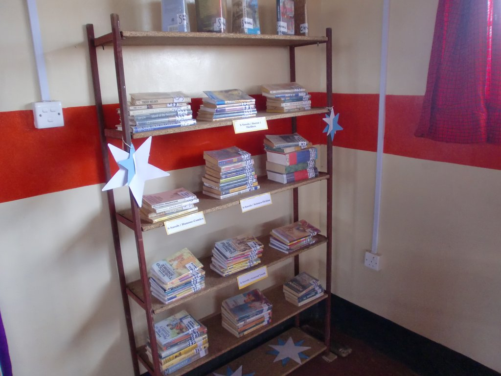Equip a rural Kenyan library with a computer lab