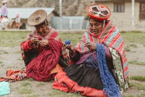 Margarita and Maria Salome get the yarn ready