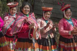 Sonia, Alicia, Avelina, and Josefina lead a tour.