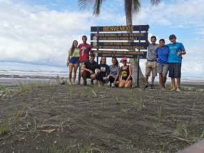 Volunteers at the Punta Mala Project