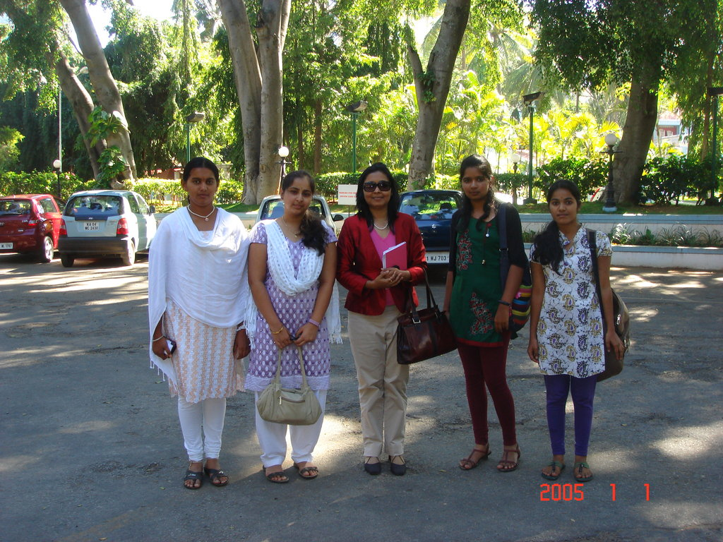 Provide scholarship for 8 bright girls in India