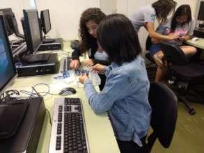 Digital skills courses at the POETA Center, Brazil