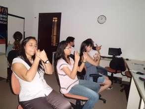 Sign Languaje training in POETA Avape Center