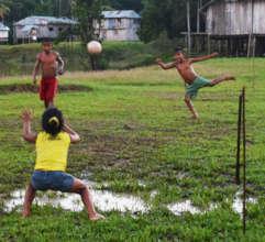 Kids playing soccer at Brillo Nuevo