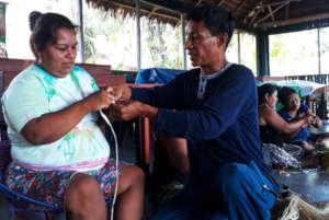 Pablo teaching artisan at Chino workshop