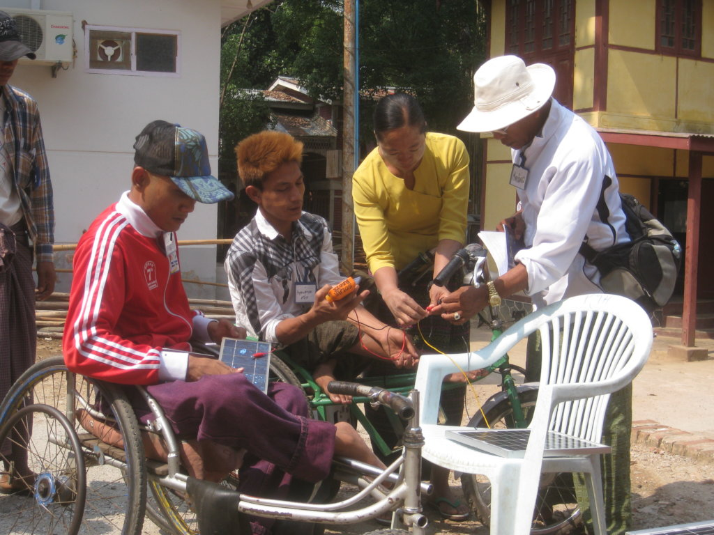 Solar Lights and Cookstoves for Burma