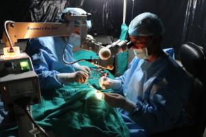 Dr. Kamal performing cataract surgery at Jharlang
