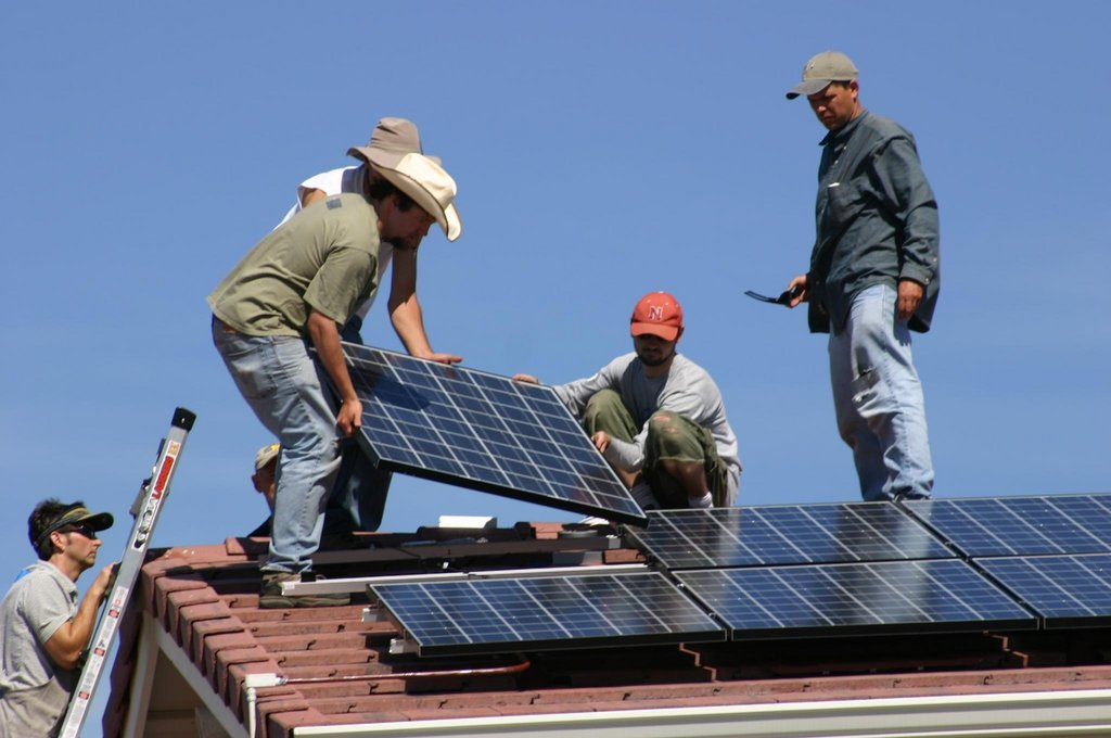 Solar electricity for 10 low-income families, USA