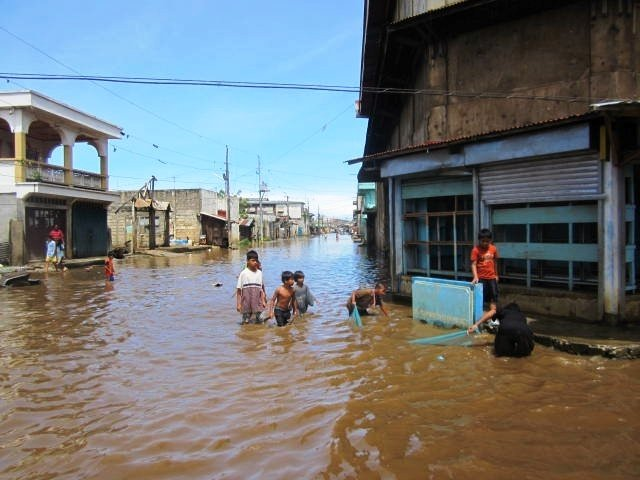 Provide Relief to 5000 Families in Typhoon Bopha
