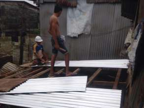 Roofing tin provided with your support