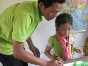 Youth Star Cambodia. Volunteer teaching.