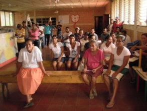 Cruz Verde community members.