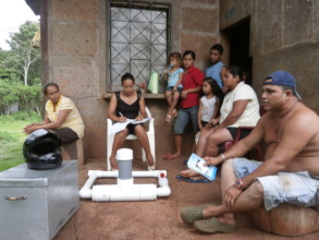 Las Bellezas community members.