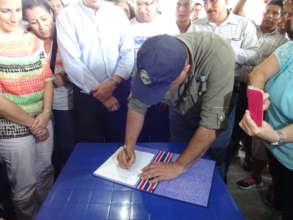 President Solis signs Savegre decree