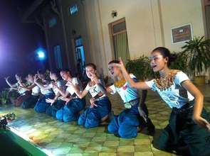 Free Arts Training Students in Yike Performance