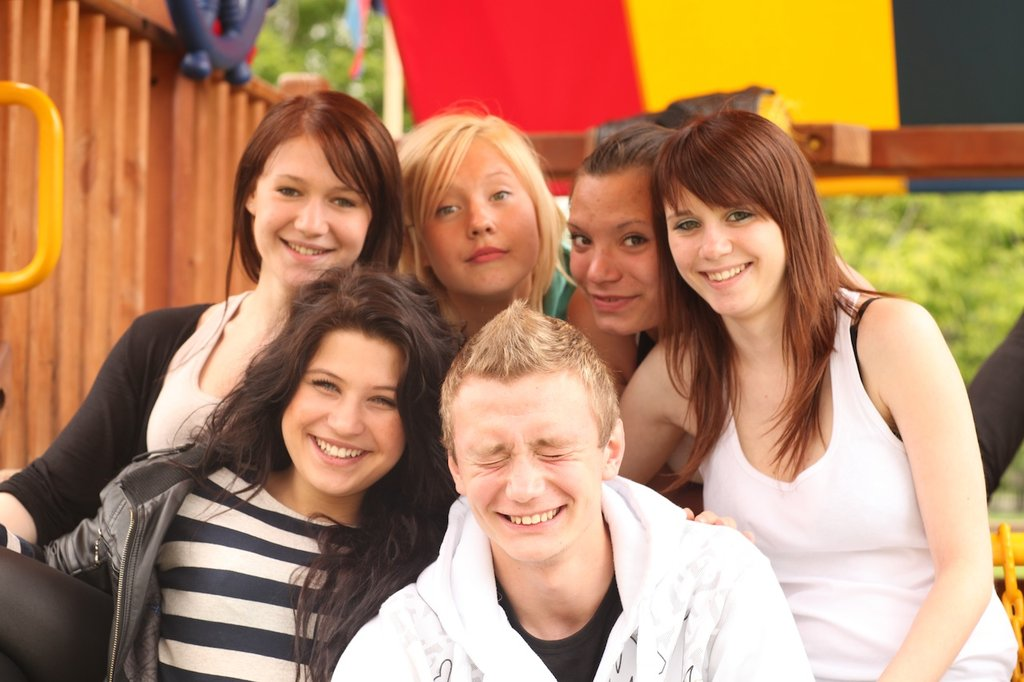 Help Russian orphans get education & socialize