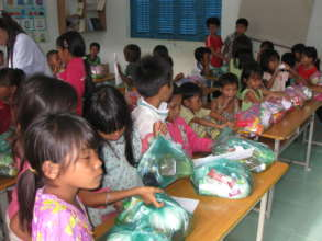 Tet gifts for the kids
