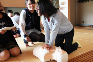 Practicing BLS with hands-only CPR and AEDs