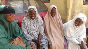 Discuss with the women of Amarzakaya