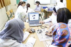 greenlight girls in the robotics lab