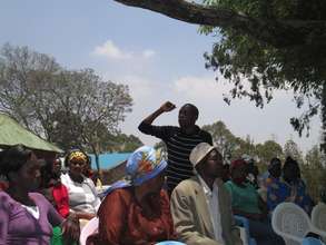 Jacob Okumu addressing Parents in Matasia