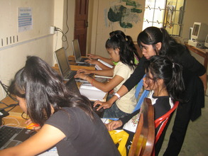 Computer training at the CCPCR shelter