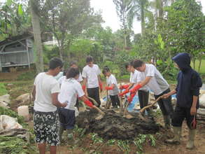 School visit program - making fertilizers