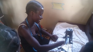 A girlmaking cloth bag