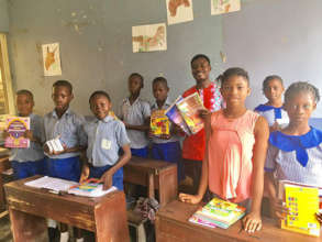 Ife Oluwa students with their new books