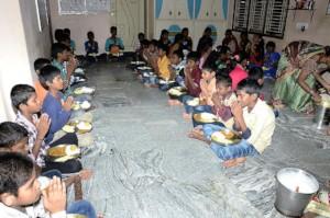 seruds orphanage in kurnool giving foodsponsorship