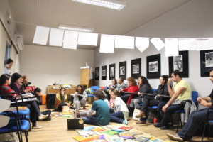 Training adults in Vaga Lume's headquarters