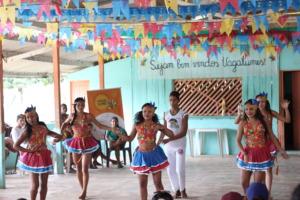 Traditional dance in Tracajatuba community