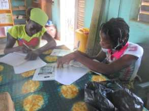 Young women writing their own books, Tuy libraries