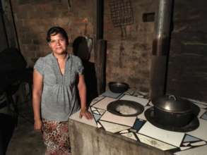 Darlin Figueroa with her new stove