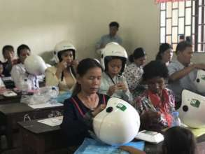 40 mothers participate in a helmet use forum