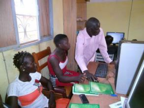 FAVL staff giving individul training
