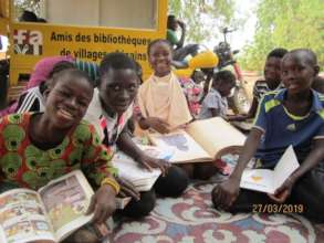 Provide reading opportunities to schoolchildren