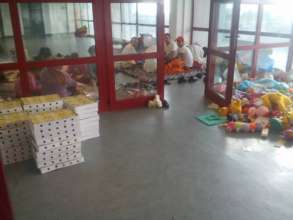 Our meals and toys for Syrian and Afghan families