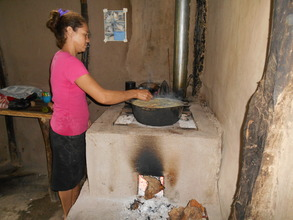 Nubia L. cooking on her Joco Justa Stove