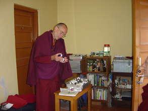 Bon Healer Working with Essential Oils