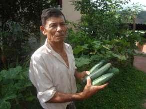 Cucumber harvest, Mirasol, Honduras.