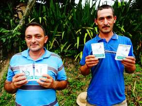 SPI seeds in the hands of Honduran gardeners.