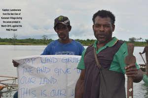 Canoe Protest 01 2015