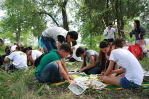 Our volunteers in an outdoor Struggle for Survival