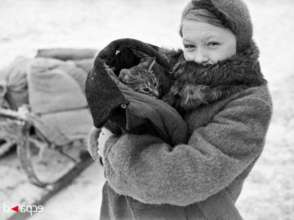 A resident of Leningrad with a cat