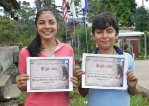 Andrew y Alondra Finalists of the National Poetry
