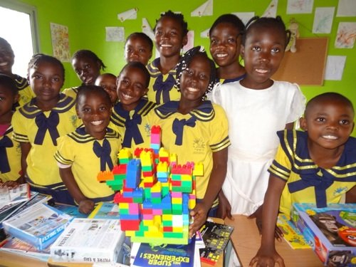 Provide a science library for children in Africa