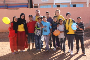 The Dar Si Hmad Team with the pupils