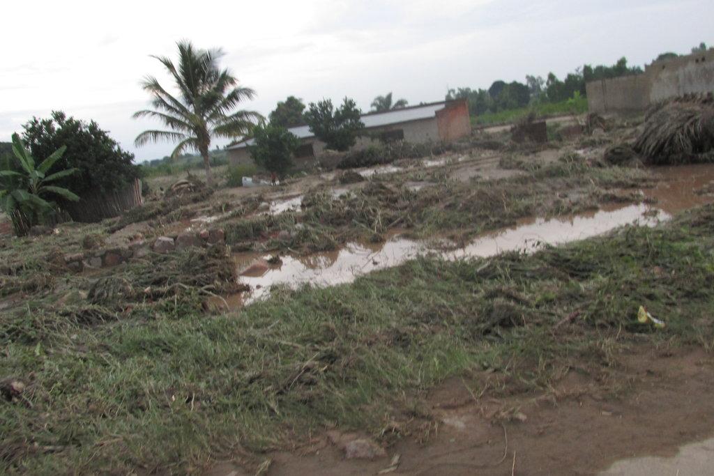 HELPING CARAMA  SURVIVORS OF FLOODING DISASTER