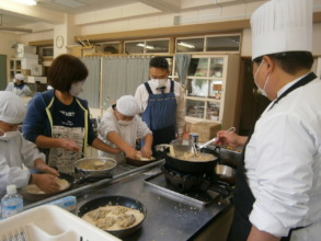 Students Preparing Oyster Burgers
